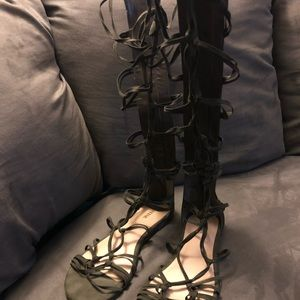 Green Knee-High Strappy Sandals Just Fab Size 9